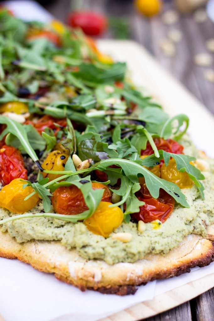 Basil & Roasted Garlic Ricotta Pizza with Arugula & Balsamic Reduction-8801