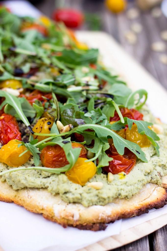 Basil & Roasted Garlic Ricotta Pizza with Arugula & Balsamic Reduction-8801