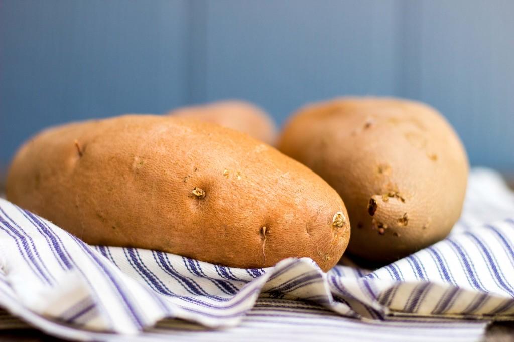 Roasted Sweet Potato, Black Bean & Avocado Tostadas-0523
