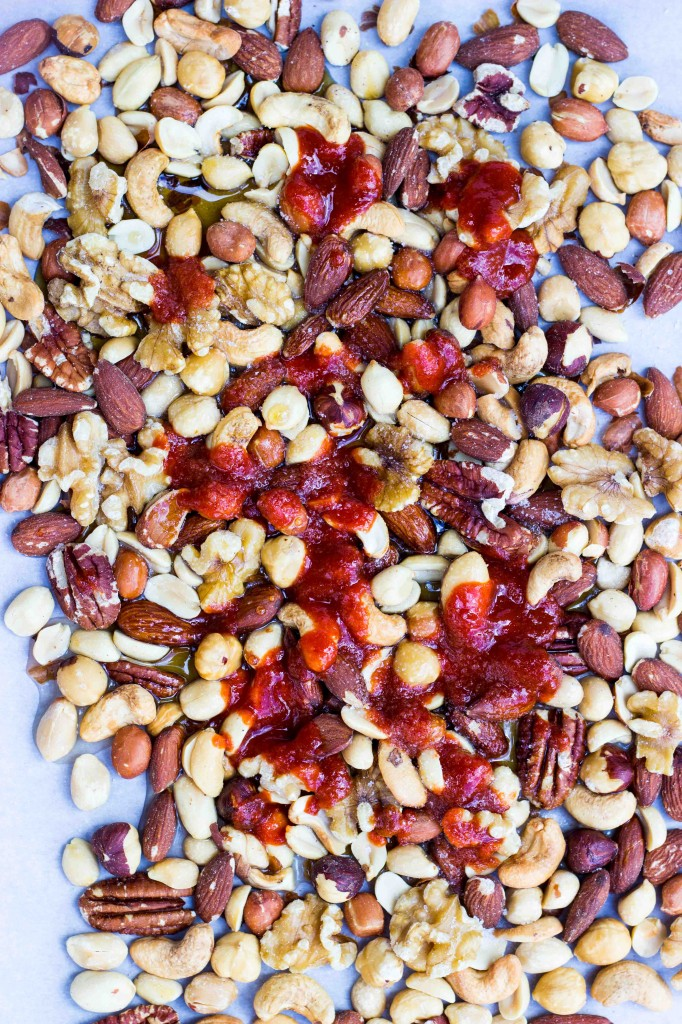 Sriracha & Maple Roasted Mixed Nuts-0791