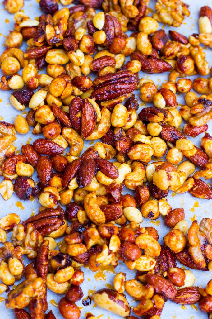 Sriracha & Maple Roasted Mixed Nuts-0827