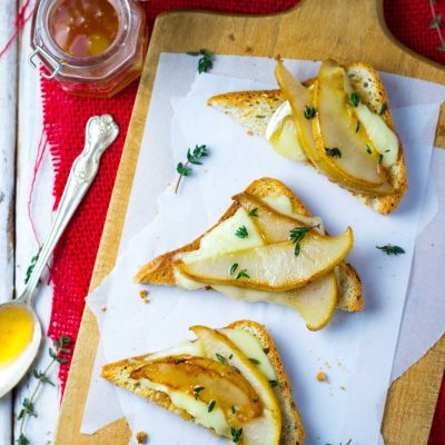 Brie & Pear Toasts with Thyme & Honey