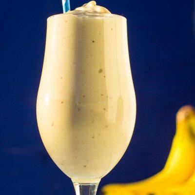 Skinny Peanut Butter & Banana Milkshakes {vegan}