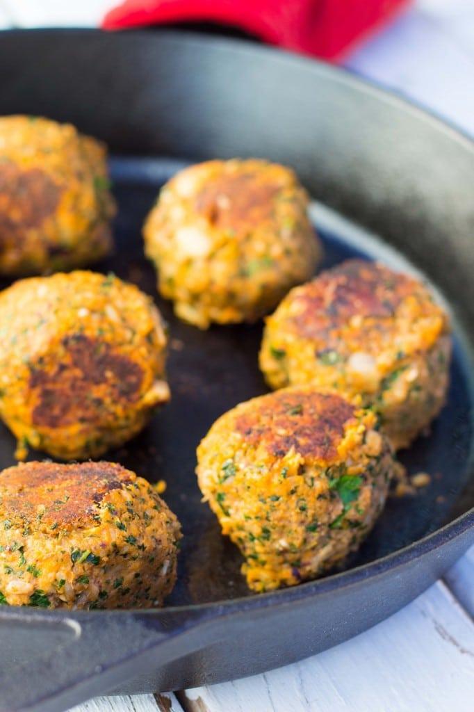 Vegetarian Mealball Sliders with Kale, White Beans & Feta-8808