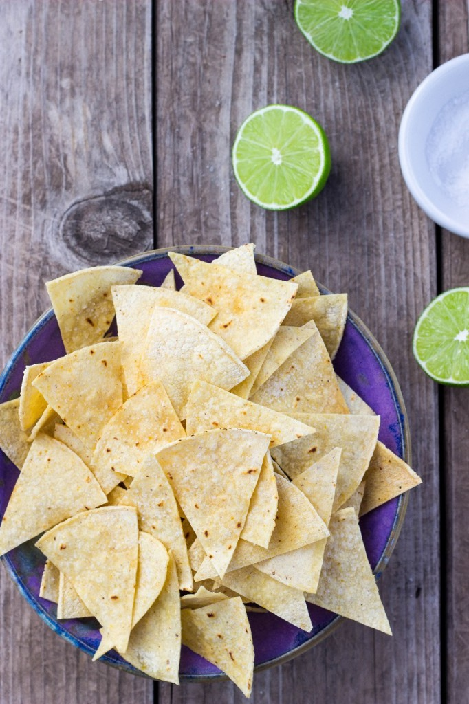 Hint of Lime Baked Tortilla Chips-0363