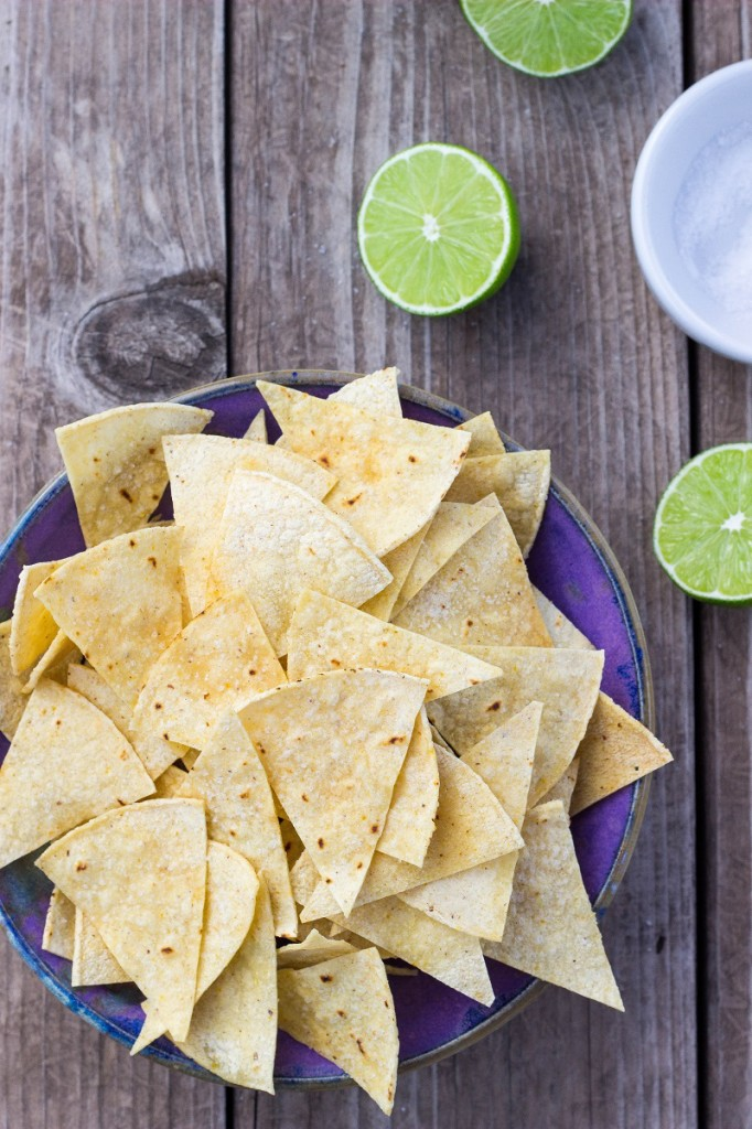 Hint of Lime Baked Tortilla Chips-0378