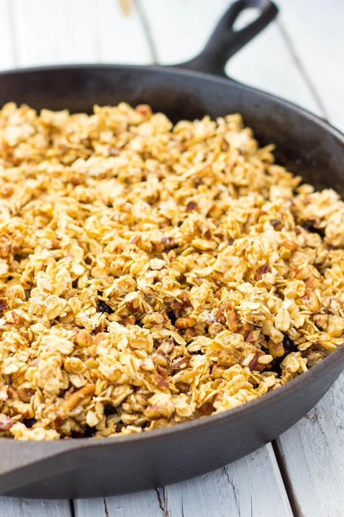 Mixed Berry Crisp with Chocolate and Pecans-0348