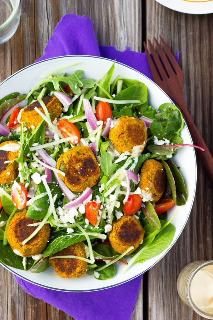 Roasted Carrot Falafel Salad with Citrus Tahini Dressing. Light, fresh, and delicious! #glutenfree #lunch