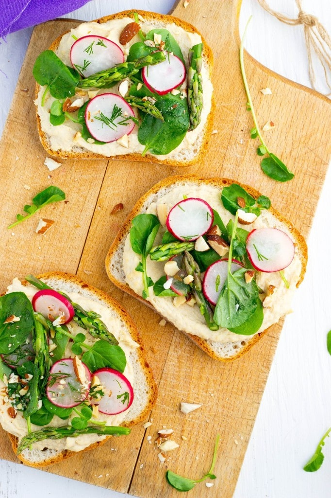 Fresh Spring Toasts with Hummus-3164