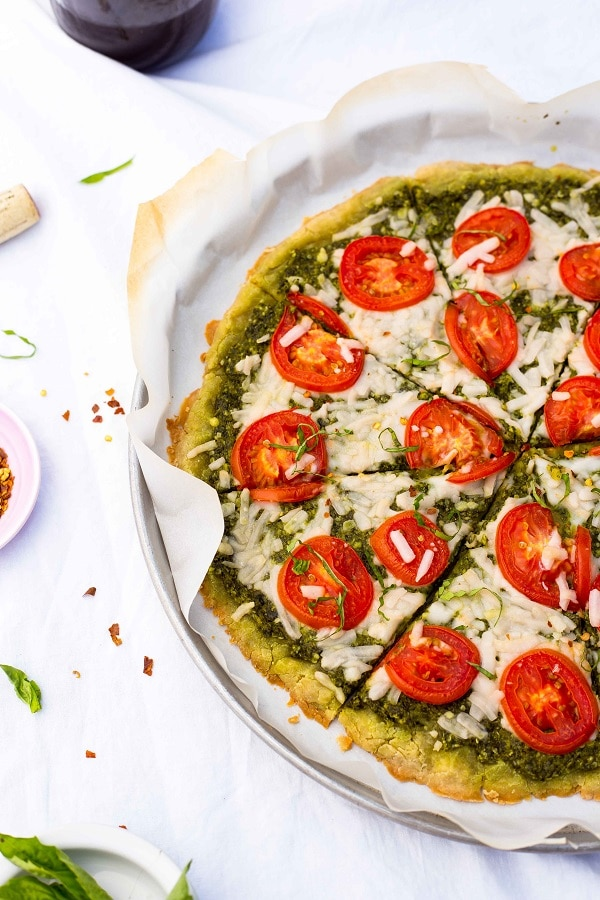 Pesto Pizza with Roma Tomatoes-6087