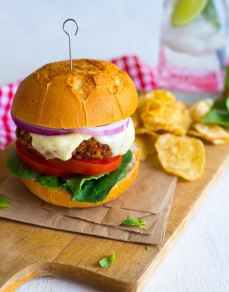 Sun-Dried Tomato and Basil Veggie Burgers-4610