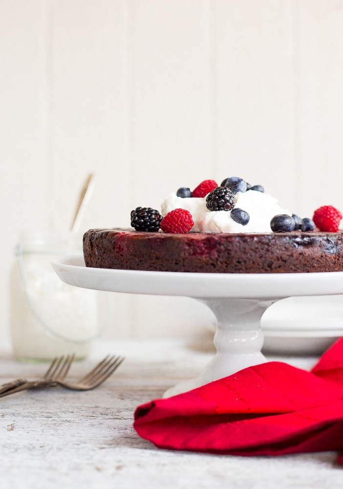This Gluten Free Mixed Berry Upside Down Chocolate Cake is the perfect combination of chocolate and berries in each bite!