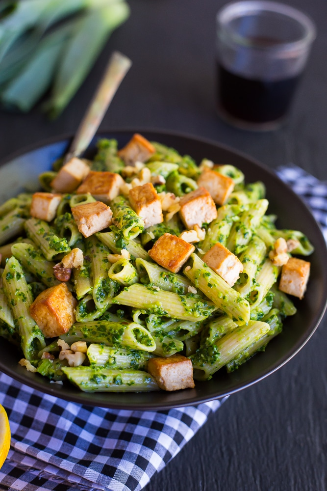 This Kale and Leek Pesto Pasta with Tofu is fresh, seasonal, filling and comes together in just 30 minutes!  Making it a great dinner choice during a busy week! {gluten free, vegan}
