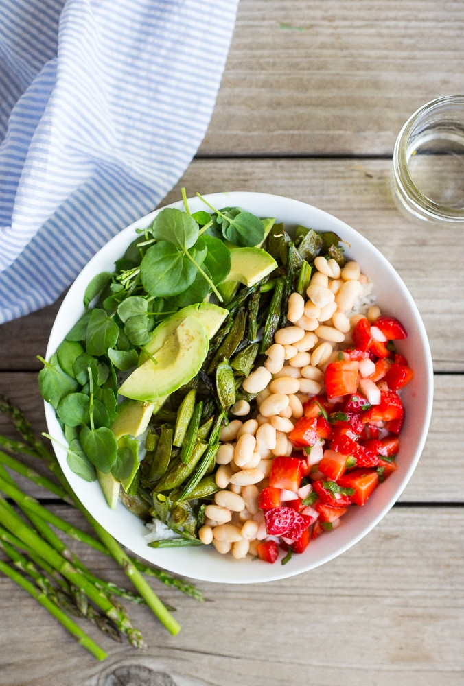 These Ultimate Spring Burrito Bowls combine all the best ingredients of spring into one delicious bowl!  These are perfect for a make ahead lunch or healthy dinner!  Gluten free and vegan!