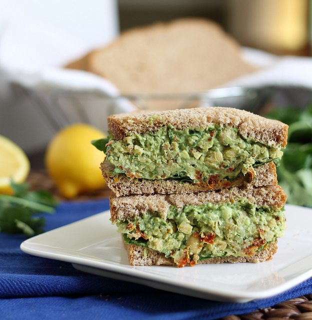 A-sandwich-filled-with-chickpea-pesto