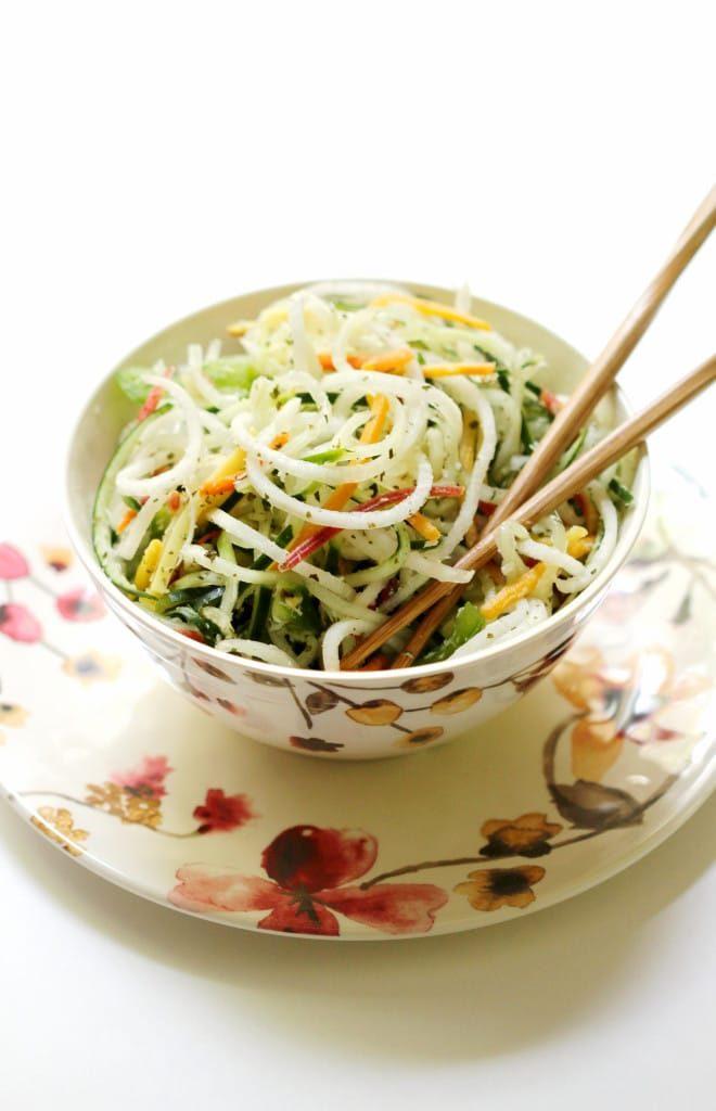 Raw-Spiralized-Thai-Salad-5-660x1024