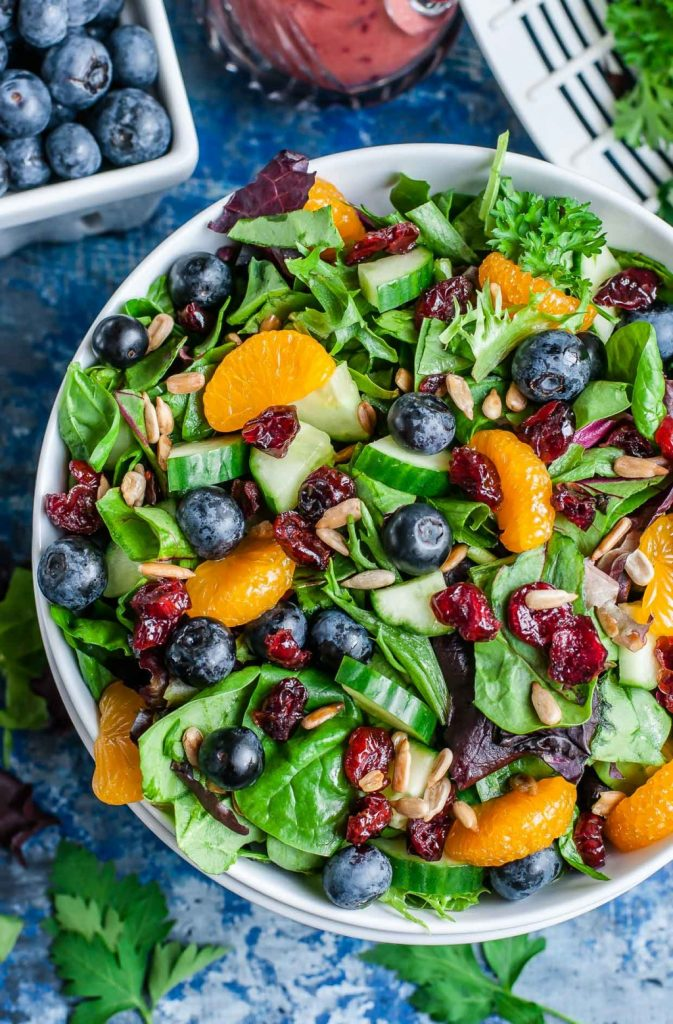 cranberry-blueberry-spring-mix-salad-blueberry-balsamic-dressing-recipe-peasandcrayons-2x-2
