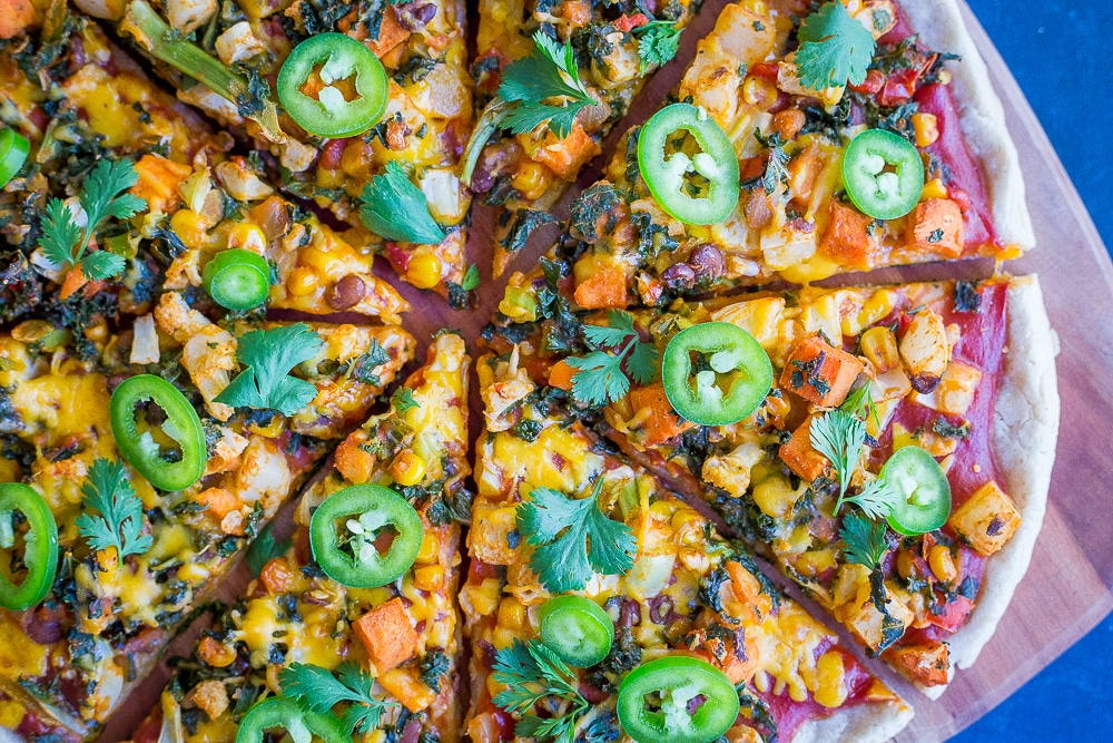 Southwest Veggie Taco Pizza-  Piled high with veggies, this Southwest Veggie Taco Pizza is great for a quick and easy vegetarian dinner recipe that is healthy too!