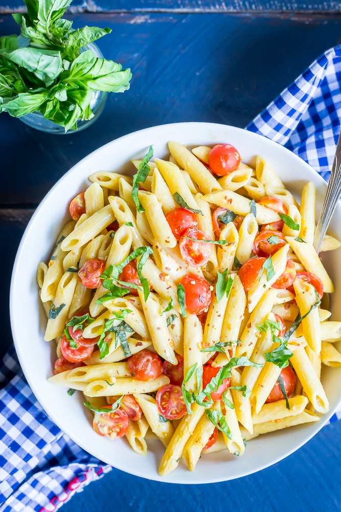 11One-Pot-Creamy-Vegan-Caprese-Pasta-63731
