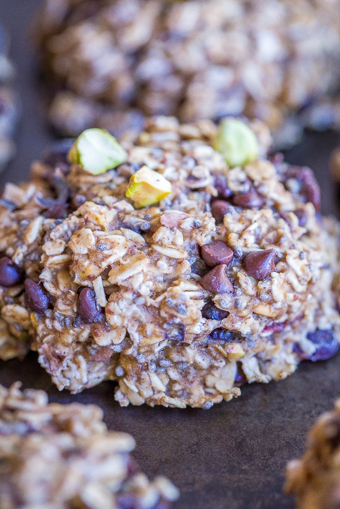 Superfood Breakfast Cookies - These delicious breakfast cookies are packed with lots of healthy superfoods and are perfect for an easy make ahead breakfast or snack! They're gluten free and vegan too!