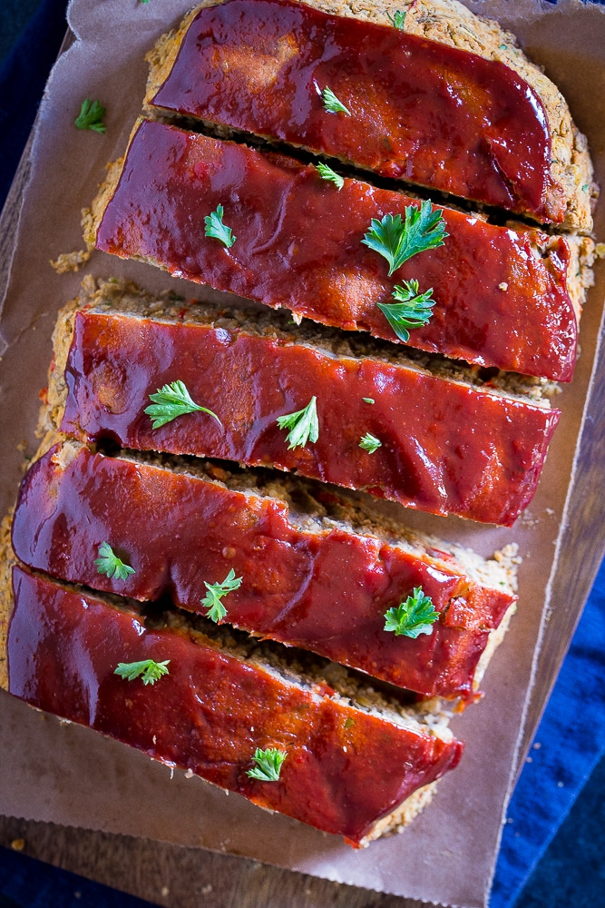 Easy Vegan Meatloaf with Lentils and Chickpeas cut into slices